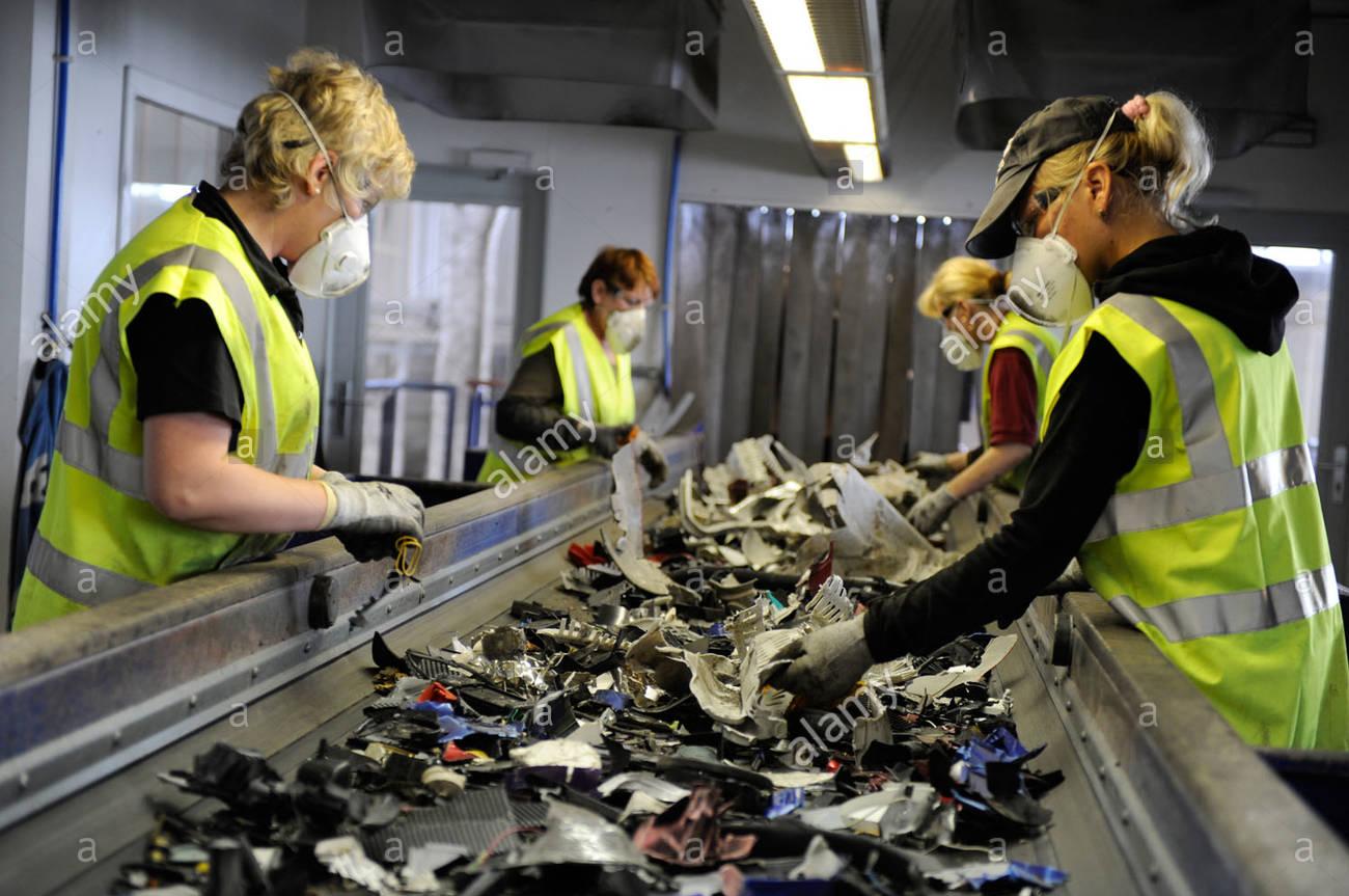 Търговия и рециклиране на скрап